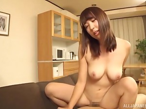 Busty natural petite Japanese babe rides locate at one's disposal an office