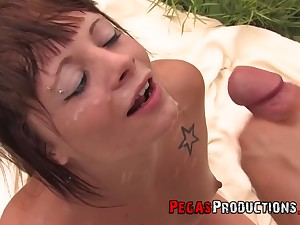 Kendra White and other sex-crazed people love everything about facial and swallow