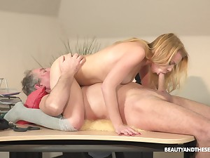 Young fair-haired shakes a senior dick in her tiny pussy