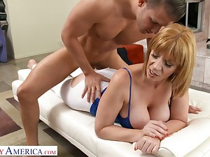 Eye catching cougar Sara Twerp gets intimate with attracting young fitness instructor